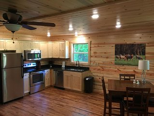 Come Relax at The American Buffalo Cabin!! Just 1.5 miles from Jasper!