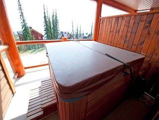 2 Bedroom Plus Den Condo With Private Hot Tub - Sleeps 6 To 8