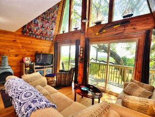 Waterfront-Private Setting w/Large Trees-Beautiful,3 Bdrm/ 2.5 Bathroom,Sleeps 6