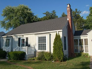 Family Friendly House, Close to Notre Dame. 4 BR Sleeps 10