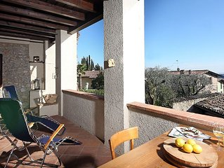 studio-apartment for 2 persons with lake view and swimming-pool