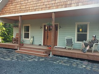 1 bedroom apartment in quiet Nash Wood Neighborhood