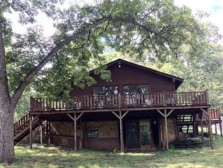 Canyon Hill Cabin- set in the hollers of Dougherty between Sulphur & Davis, OK.