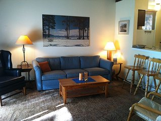 Clean And Comfortable Family Friendly Condo In Tahoe City, With Pool