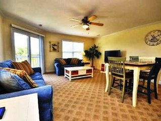 Ocean Walk 4204-Beautifully Decorated Ocean View Condo with 3 Bdrms/2.5 Bath