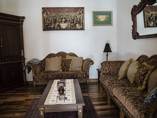 Authentic Spanish Colonial in Colonial Quito with Private Chapel