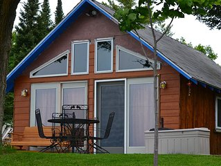 Cozy and welcoming 1 bedroom cottage on Pickerel Lake. Sleeps 4.