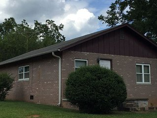 Tryon Brick Cottage - 2 Bed - 1 Bath - 5 Min from Equestrian Center