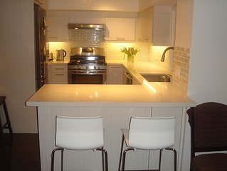 1 b-room luxury apt. in beautiful Oakville. Lake views, parks and many trails.
