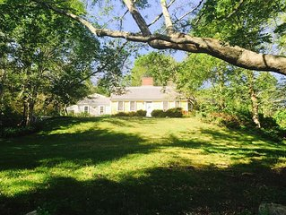 Antique House From 1727 - Modernized On 2 Acres & Close To Beach!
