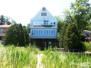 Fab Home on Lake Michigan 1.5 hours from Chicago. 20% off 4 week rentals.