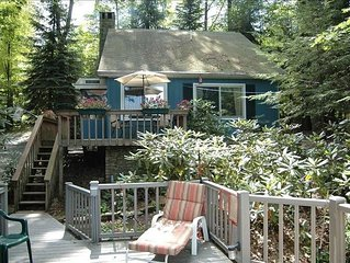Romantic Lakeview Cottage with Hot Tub and Amazing Sunsets!