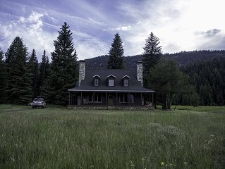 Private Luxury Ranch just minutes from everything