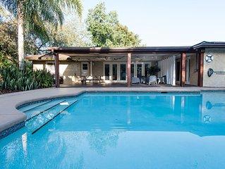 Modern Tropical Pool Home ~ East Orlando / UCF