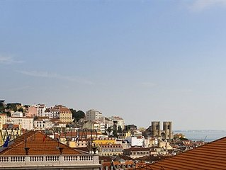 Chiado Apartments - Magnificent View Apartment in Historic Lisbon
