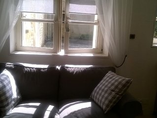 Ground floor studio apartment in historic centre of Bayeux