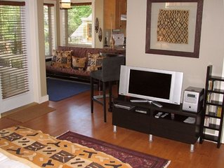 Fully-Equipped Guest Suite in Garden Setting Clos