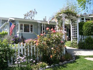 Renovated cottage with ocean view. Easy walk to town and beach. Includes parking