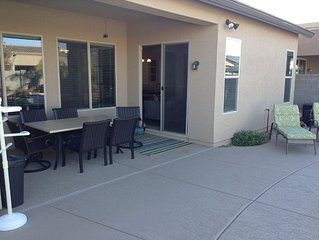 Family friendly 3 bedroom Home. Pool and hot tub. Close to shopping and restaura