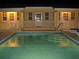Affinity Villas Apartment 1 Tranquil location, close to beach