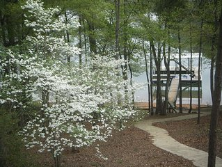 Lakefront House, Covered Slip,Comm Pool,Clemson 30 min SC/NC Mtns Rafting/Tubing