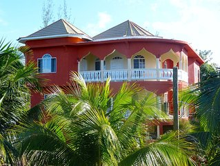 Two bedroom villa in Sheffield - near Negril