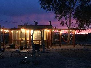 Joshua Tree Desert Retreat -- Ranchito Regio de la Playa