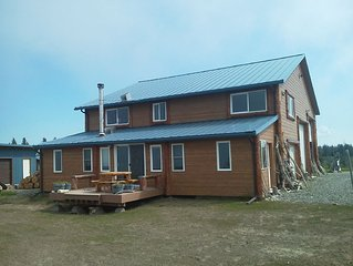 Bluff Home With Waterfront View, Walk To The Beach, Near The Boat Launch