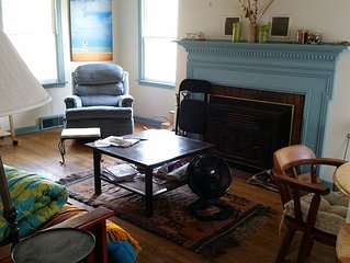 Enjoy fall colors and hiking -- Family/Pet Friendly, By Beach, Close To Chicago