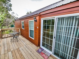 Texas Hill Country Cabin(s) with pool access (La Cabana del Amor)