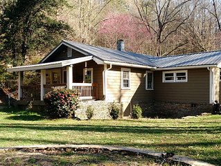 *vintage Lake Lure Cottage In A Spectacular Mountain Setting*