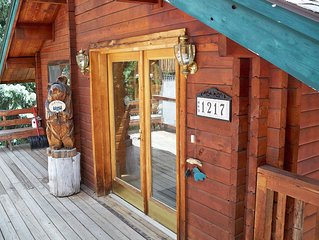 4 Bedroom 4 Bath Red Cedar Log Home On the Blue River in Breckenridge