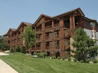 1 BR Condo Minutes From Branson Attractions with Indoor/Outdoor Pool and Golf
