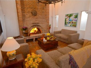 2 Bedroom Suite in Ajijic with Private Terrace, Full Kitchen & Resort Pool!