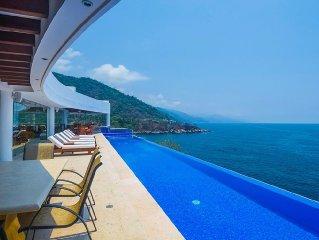 Casa La Vista with infinity pool, whirl pool spa