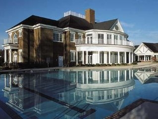 Family-Friendly, 4 BR/4 BA Suite with Pool/Sauna Near Jamestown and Williamsburg