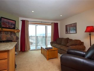 Dog Friendly & Nicely Updated - Pool & Hot Tub - 100 Yards to Lift!