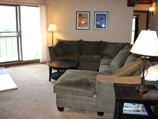 TH207F Super Condo w/Wifi, Clubhouse, Fireplace, King Bed