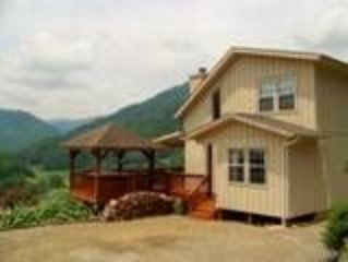 1614 PANORAMA VIEW: 2 BR / 2 BA two bedroom chalet in MAGGIE VALLEY, Sleeps 6