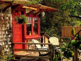Orchard Cabin In Salt Spring Island, British Colu