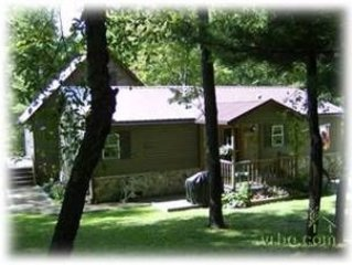 329-Life's A Bear: 2 BR / 2 BA detached house in