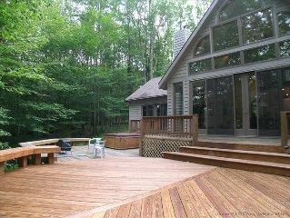 Affordably priced for a romantic getaway or family retreat~Beautiful Berkana!