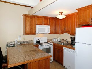 Updated condo with mountainside location ~ Pool, hot tub, exercise facility