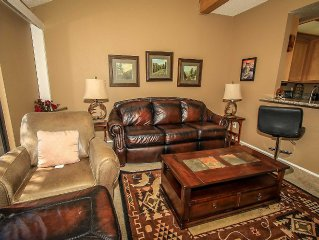 Doctor's Orders Lake-view Condo~Central Heat/Fireplace~Seasonal Pool/Spa~Laundry