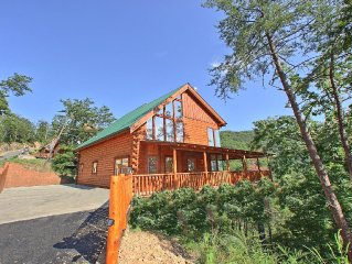 Misty Mountaintop #52 - Private 3 bedroom, 3 stor