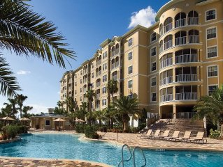 2BR w/WiFi, Resort Pool & Championship Golf Course Just 2.5 Miles From Disney!
