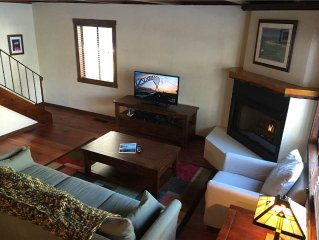 963 Tanglewood: 3 BR / 2 BA classic cabin in Sout