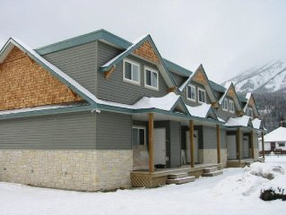 Luxurious Condos/Townhouses with Hot Tub!