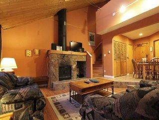 Rainbow Suites #3 | Charming Rustic 1+loft Condo