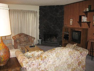 Budget 1-Bedroom Walking Distance to Eagle Express Chairlift, Garage Parking, E